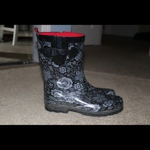 Black and gray floral rain boots